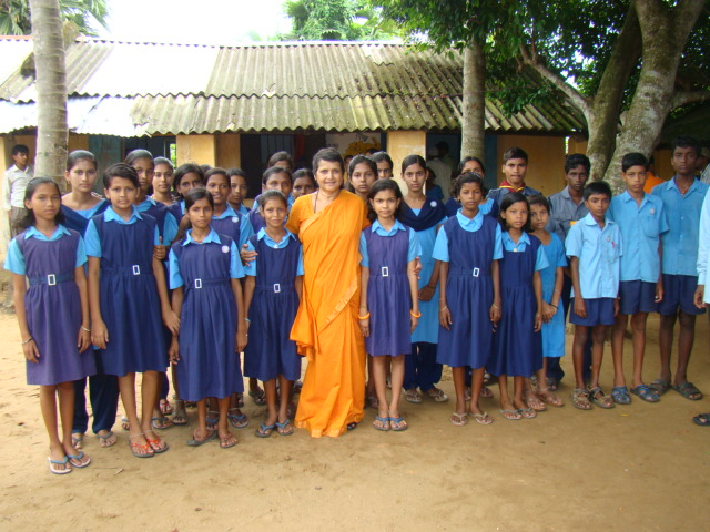 Swamini witha group of School Students. It was a Teachers' Day.